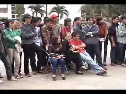 Video Hội thi nét đẹp nữ sinh Đại học Vinh năm 2010 phần 3.1