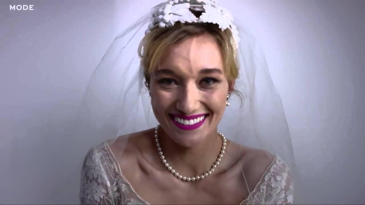 fd299e3ff 100 anos de Vestidos de Casamento em 3 minutos - Specialità Lingerie ...