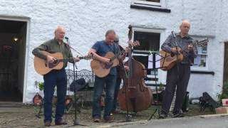 Fourum - The Swaledale Song (Live in Reeth)