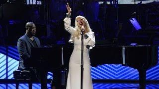 Christina Aguilera - Stormy Weather