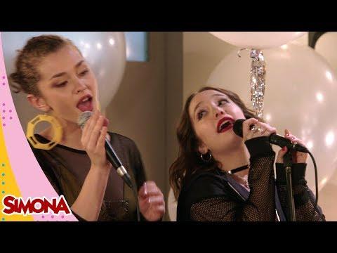 SIMONA   A AÑOS LUZ (SIMONA Y AILIN - MOMENTO MUSICAL 33)