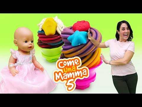 Video con i giocattoli. Giochi per bambini con le bambole Nenuco.  Play Doh Cucina
