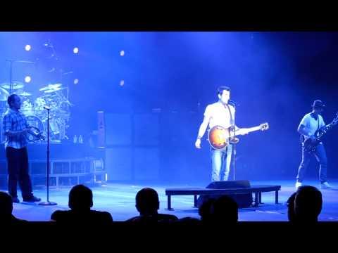 311---outside---pnc-holmdel-nj-unity-tour-aug-2nd-2012-(live-hd)