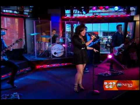 "Demi Lovato performing ""Here We Go Again"" on Good Morning America 2009"