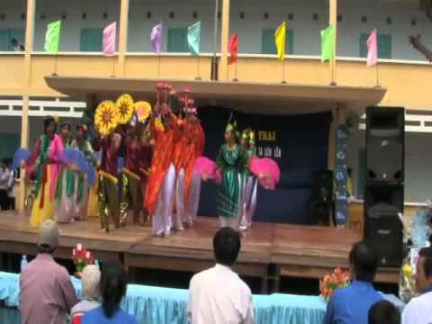 Múa Việt Nam gấm hoa - Văn nghệ khai mạc Hội trai 26-3 trường An Phước.flv