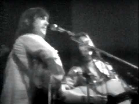 Gram Parsons & The Fallen Angels - Six Days On The Road * (live)/Hot Buriti #1 (clip)
