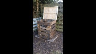 First time ever I made a compost bin from pallet woods