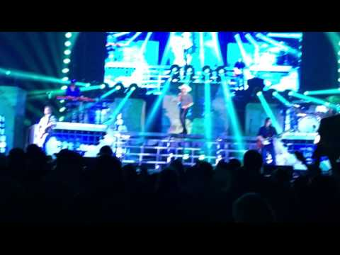Justin Moore: Hank It (Live in Pittsburgh 2-2-17)