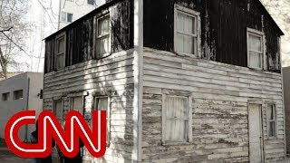 House where Parks sought refuge up for auction