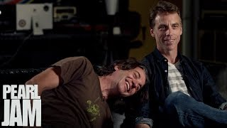 """How Important Is Playing Live?"" - Pearl Jam & Carrie Brownstein Interview - Lightning Bolt"