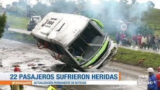 Accidente de un bus en la vía Tunja- Bogotá deja dos personas muertas y 22 heridas