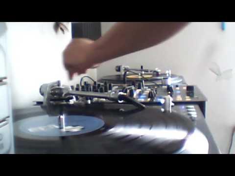 DJ Kontrol   Volume 1   Emergency Makina Mix