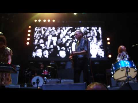 arcade-fire---wake-up,-live-@-secc-glasgow,-12-dec-2010-hq