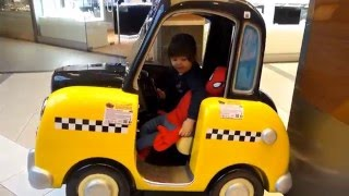 Spiderman taxi rides and kid - Children's car taxi with Spiderman and cute toddler