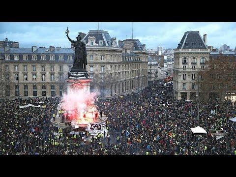 """Governo francês faz balanço de protesto """"totalmente inaceitável"""""""