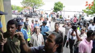 Repeat youtube video Ghassan Maumoon Arrest