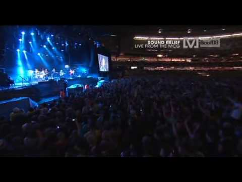 hunters and collectors - throw your arms around mesound relief live