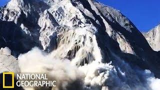 Impressionnante avalanche à Bondo
