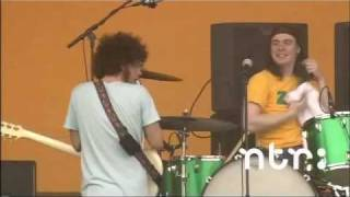 Apple Tree (Live) - WOLFMOTHER