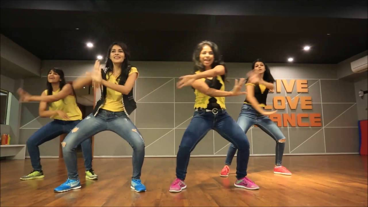 Learn dance on tune maari entriyaan