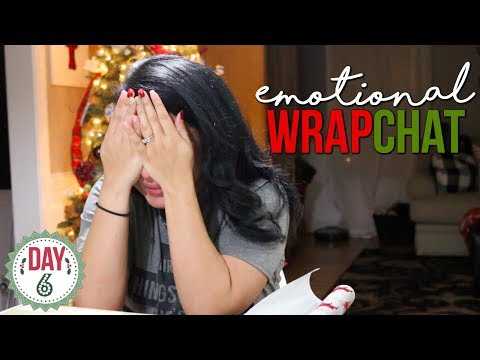 WRAPPING PRESENTS & CHATTING!! | WRAPCHAT 2017 | DAY 6 - 12 DAYS OF VLOGMAS | Page Danielle