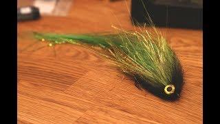 Tying a green goĮden flash'y Pike Streamer