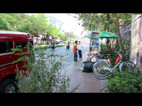 Doi Suthep songthaew stop at Chaing Mai Zoo