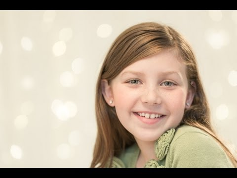 Christmas-Pictures-How-to-Take-Your-own-Family-Holiday-Portrait