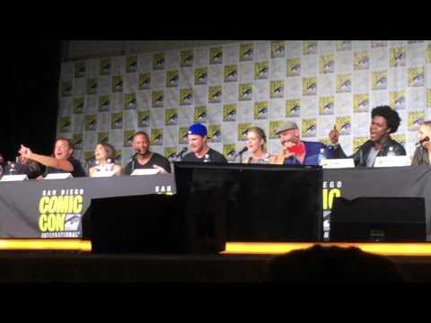 Arrow cast sings Hamilton