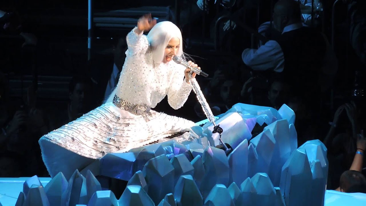 Download Lady Gaga - Gypsy (Live at Madison Square Garden)