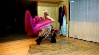 Isis Bellydancer, Coreografia con velo