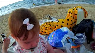 Влог Пальто на пляже летом Катя наелась ракушек Азовское море кипяток