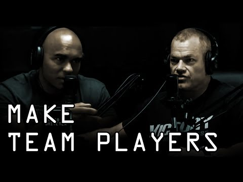 How To Make Someone A Loyal Team Player - Jocko Willink & Echo Charles