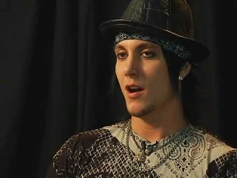 Synyster Gates talks about how he met Jimmy 'The Rev' Sullivan