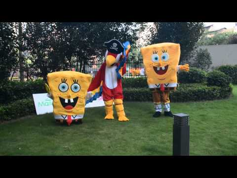 (MascotShows.com)Spongebob Squarepants and Parrot Mascot Costume is playing now