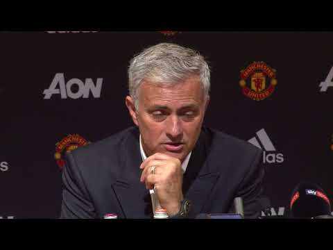 Mourinho marvels at 'clinical' United