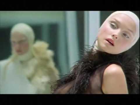 """Alexander McQueen Spring 2001 """"VOSS"""""""