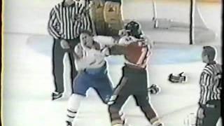 Sandy McCarthy vs Lyle Odelein