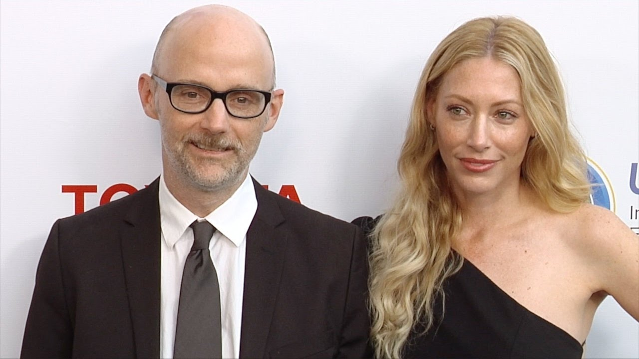 moby and julie mintz 2017 ucla ioes gala green carpet