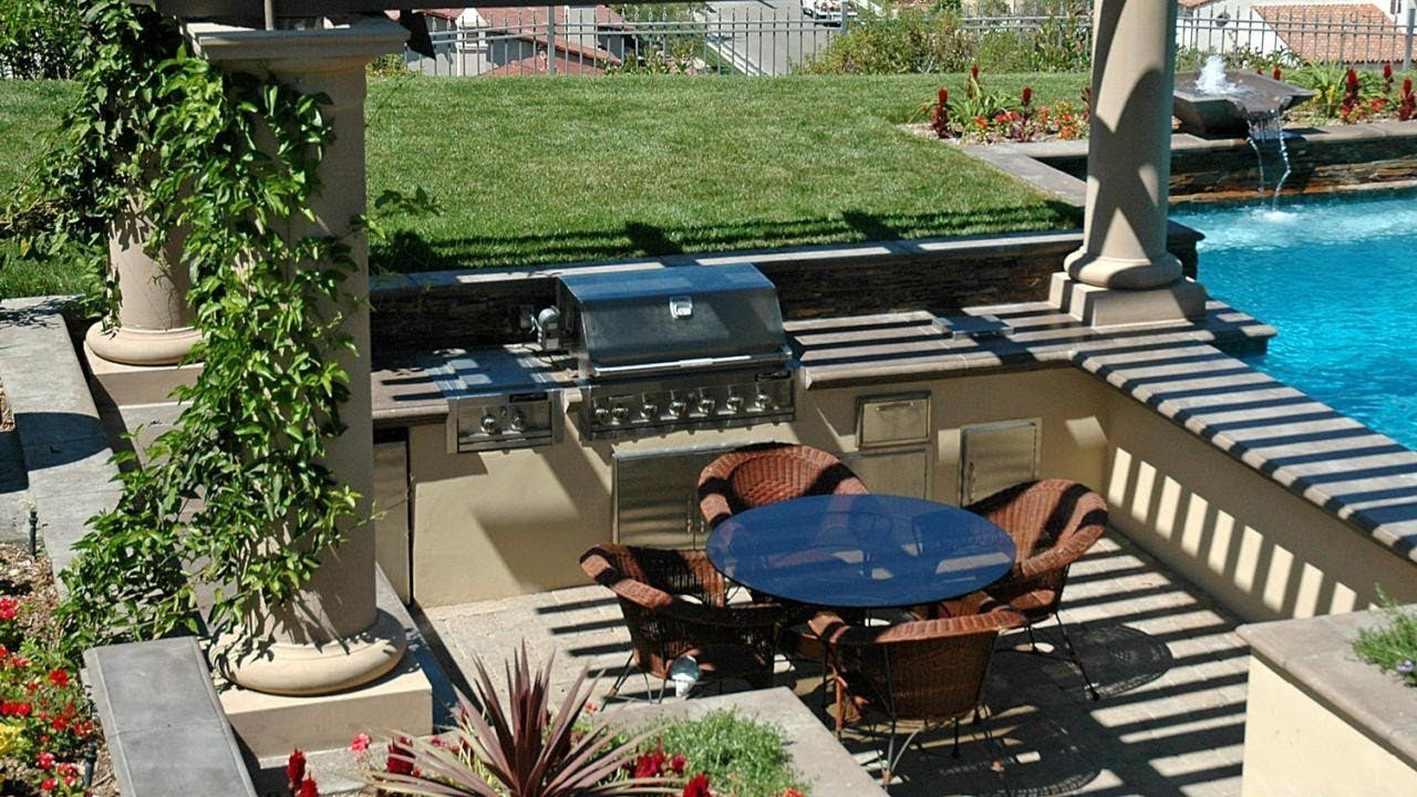 Modern Backyard Designs With Pool And Outdoor Kitchen Small Ideas