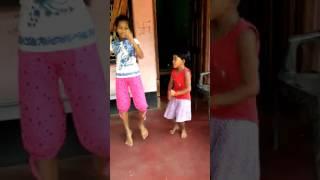 Dhire dhire pabana ta kola mote halchal Odia song dance