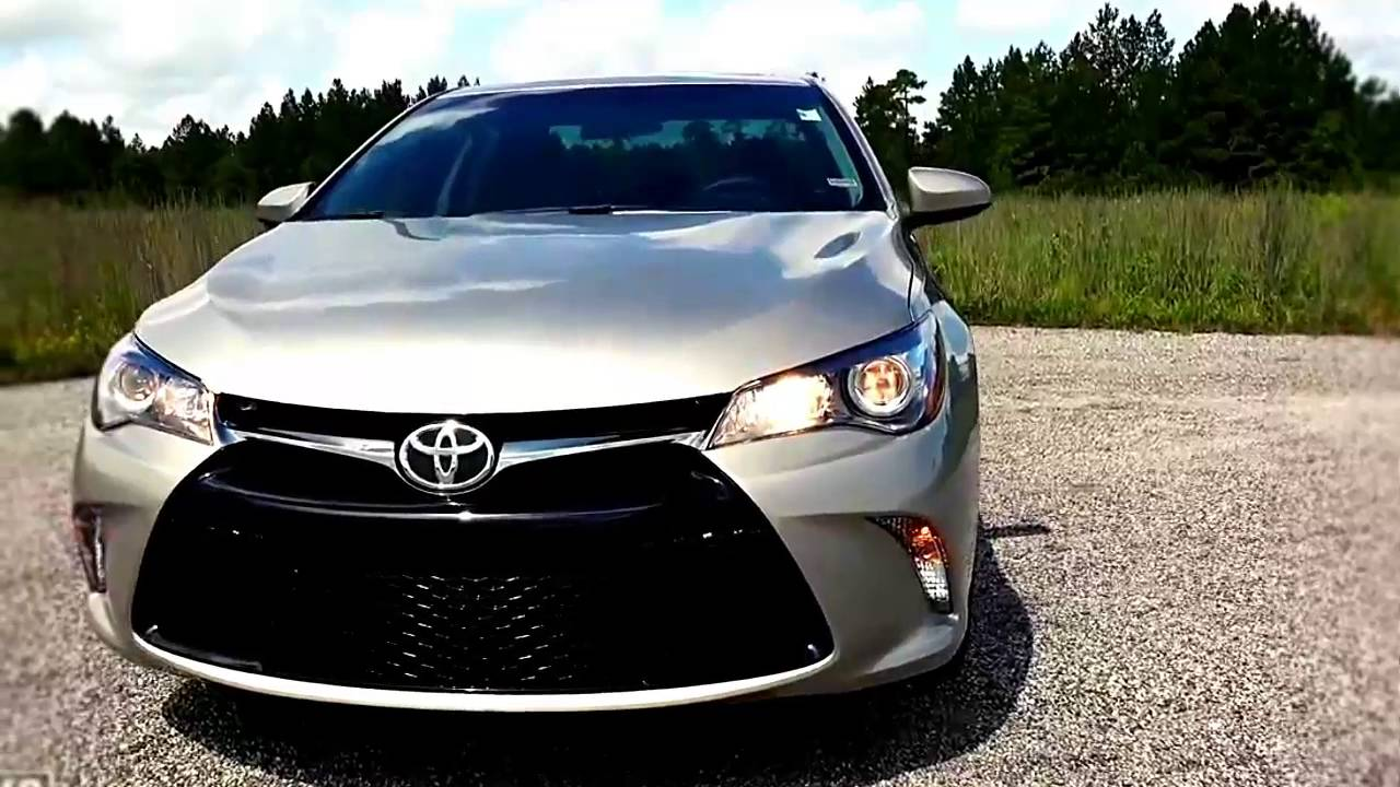 2016 toyota camry hybrid se real world review youtube. Black Bedroom Furniture Sets. Home Design Ideas