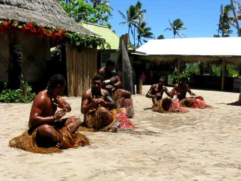 Traditional fiji dancing