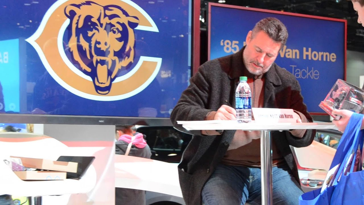Chicago Bears Keith Van Horne at Chicago Auto Show