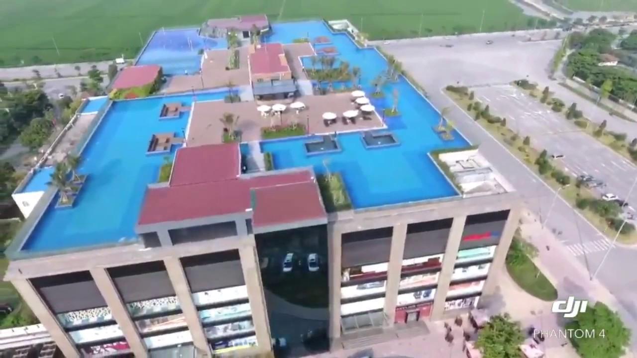 Bể bơi tràn vô cực Vinhomes Riverside - TTTM Vincom Long Biên, Hà Nội