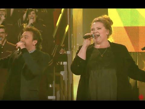En Direct De L Univers En Prolongation Debbie Lynch White Chante Aquarius Pour Benoit Mcginnis Youtube
