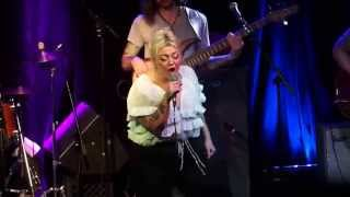 "Elle King, ""Oh Darlin"", (cover of the Beatles song) LIVE in NASHVILLE!"