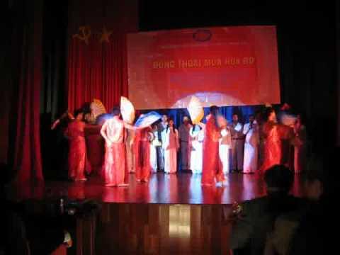 Viet Nam Gam Hoa - Vietnamese dance