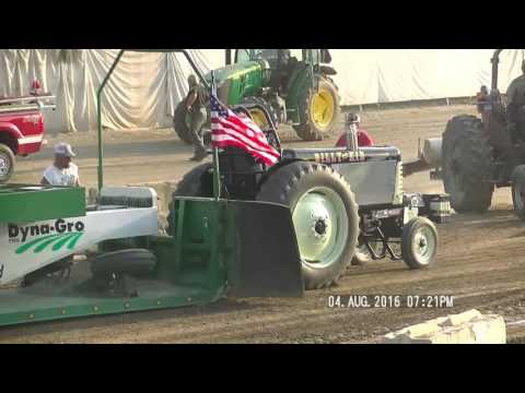6,000LB NATURALLY ASPIRATED TRACTORS PREBLE CONTY  OHIO FAIR PULL AUGUST 4, 2016