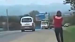 Ржачные приколы на дорогах     Бабы за рулем!!! Пьяные бабы